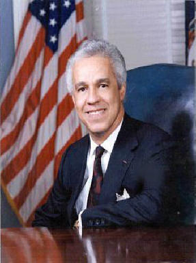L Douglas Wilder was the first black governor in the US