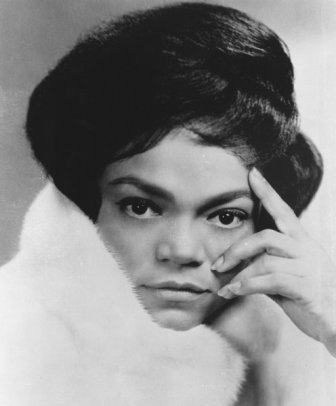 Eartha Kitt  sings Santa baby