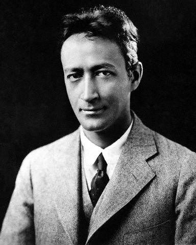 an analysis of the poem reapers by jean toomer Unformatted text preview: reapers analysis in the poem reapers, jean toomer develops the theme of man should be caring through tone changing and alliterationthe change of tone from calm to harsh is seen between the two parts of the poem.