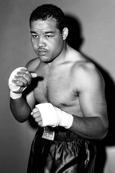heavyweight boxer Joe Louis the brown bomber