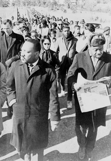 martin luther king jr. leads the march from selma to Montgomery for black voting rights